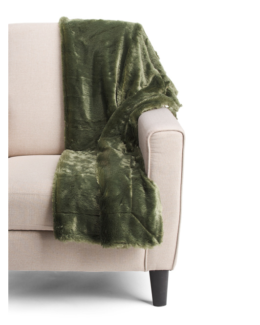 Reversible Christmas Clarabelle Faux Fur Throw