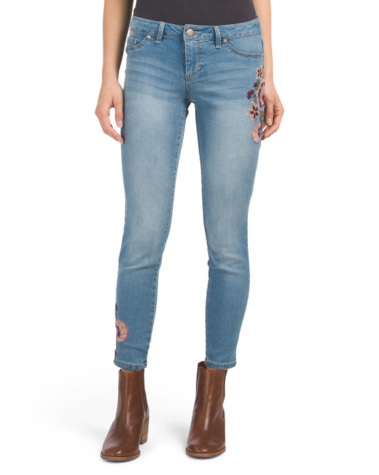 Juniors Embroidered Skinny Jeans