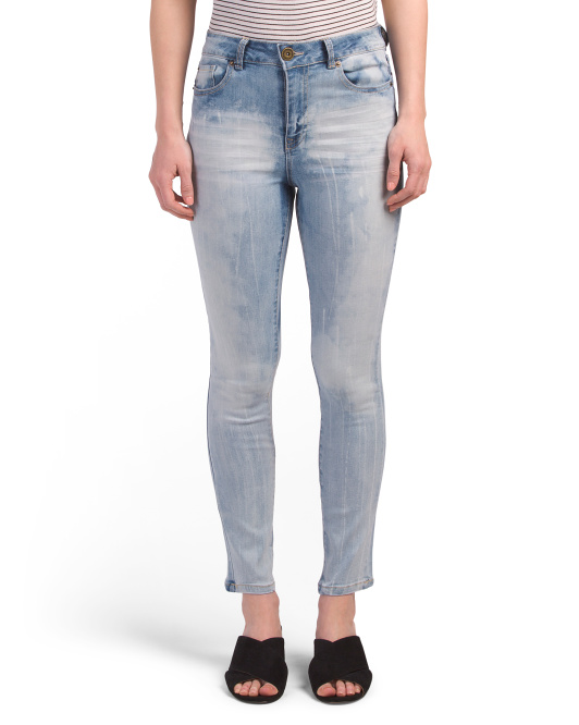Juniors High Rise Straight Leg Jeans