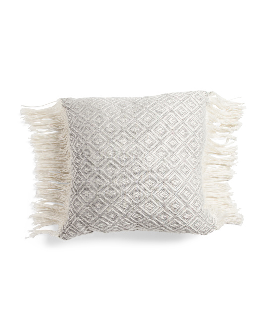 22x22 Textured Diamond Pillow With Long Side Fringe