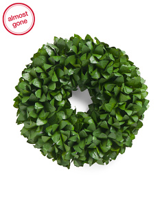 Bay Leaf Wreath In Wood Box