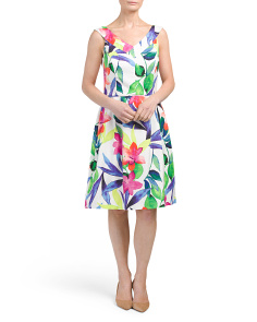 V Neck All Over Printed Floral Dress