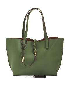 Feature Tote