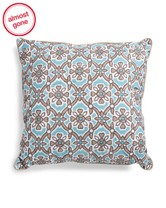 17x17 Indoor Outdoor Medallion Pillow