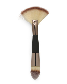 Professional Contour Brush With Soft Touch Handle