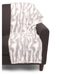 Marble Loft Plush Throw