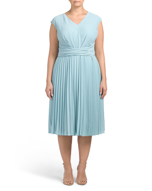 Plus Pleated V-neck Dress