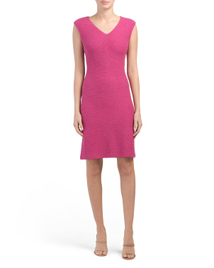 Gracefully Refined Knit V-neck Dress