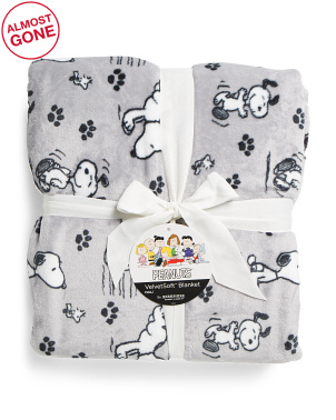 Peanuts Poses And Paws Printed Blanket